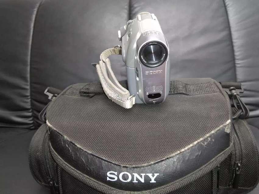 Vendo Camara de video Sony Recorrer HI 8 0