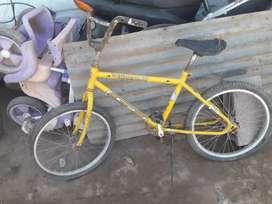 Vendo bicis rodando 20 mil peso cada una o si no las dos 2500