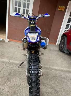 Moto Yamaha WRX 450