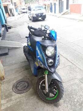 Moto sym  crox 125r en muy buen estado  10 /10 garantizada