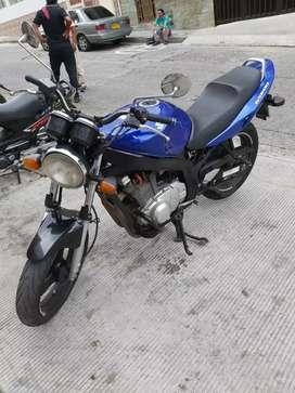 Linda moto gs 500 poco kilometraje
