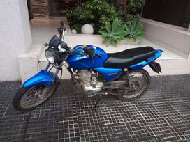 Particular vende moto