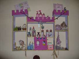 Repisa en forma de castillo