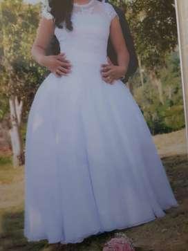 Vestido de novia, talla M, un solo uso.