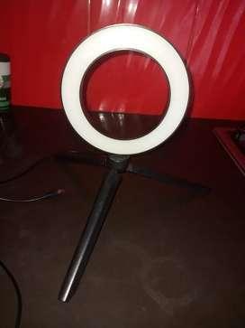 Aro de luz de mesa