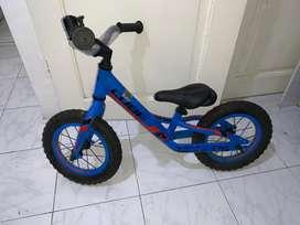 Bicicleta de Equilibrio marca Cube