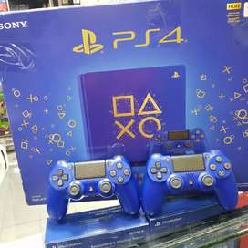 Play station 4 blue