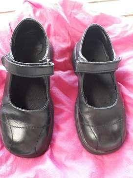 Zapatos Escolares.t 32
