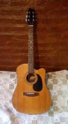 Guitarra electroacústica marca Samick