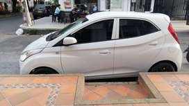 vendo automovil hyundai hatch back