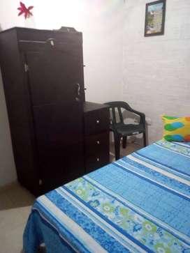 Habitacion amoblada en 3 piso. Persona sola trabaje o estudie. Ambiente familiar.
