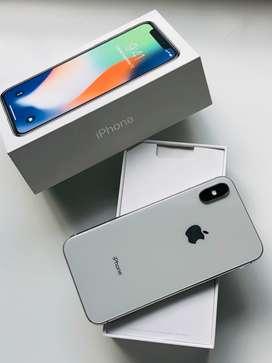 iPhone X  256gb (caja original y cargador) 1año y medio de uso (teléfono en buen estado)