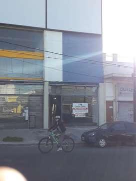 Alquiler local 170mtrs Juan b Justo 1040