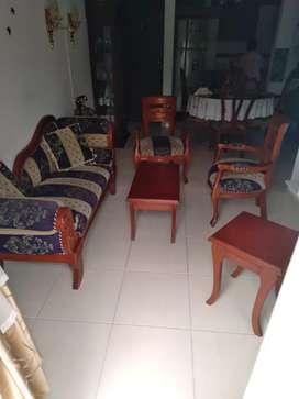 Se vende sala Isabelina