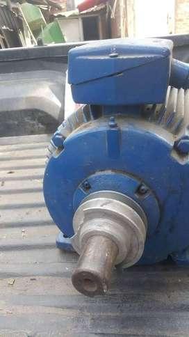 motor trifasico en alta