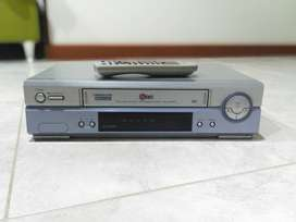 Reproductor VHS Marca LG (Modelo ED47M) Año 2001