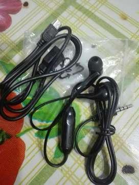 Auriculares Y Cable Usb sin Uso
