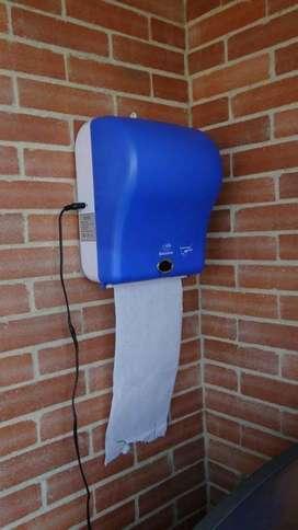 Dispensador de toallas de papel con sensor!