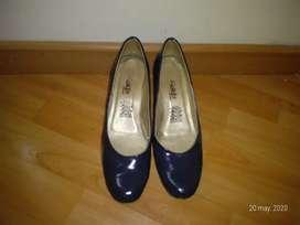 Zapato marca kalifa de color azul oscuro sintético