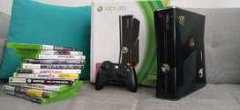 Consola Xbox 360 excelente estado 6 meses de uso con 13 juegos originales