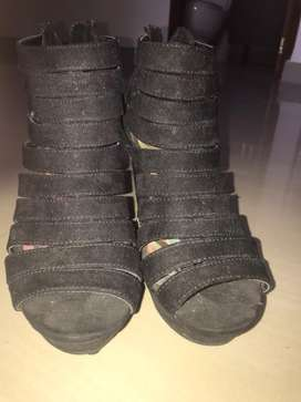 Botines negros, talla 7, marca madden girl