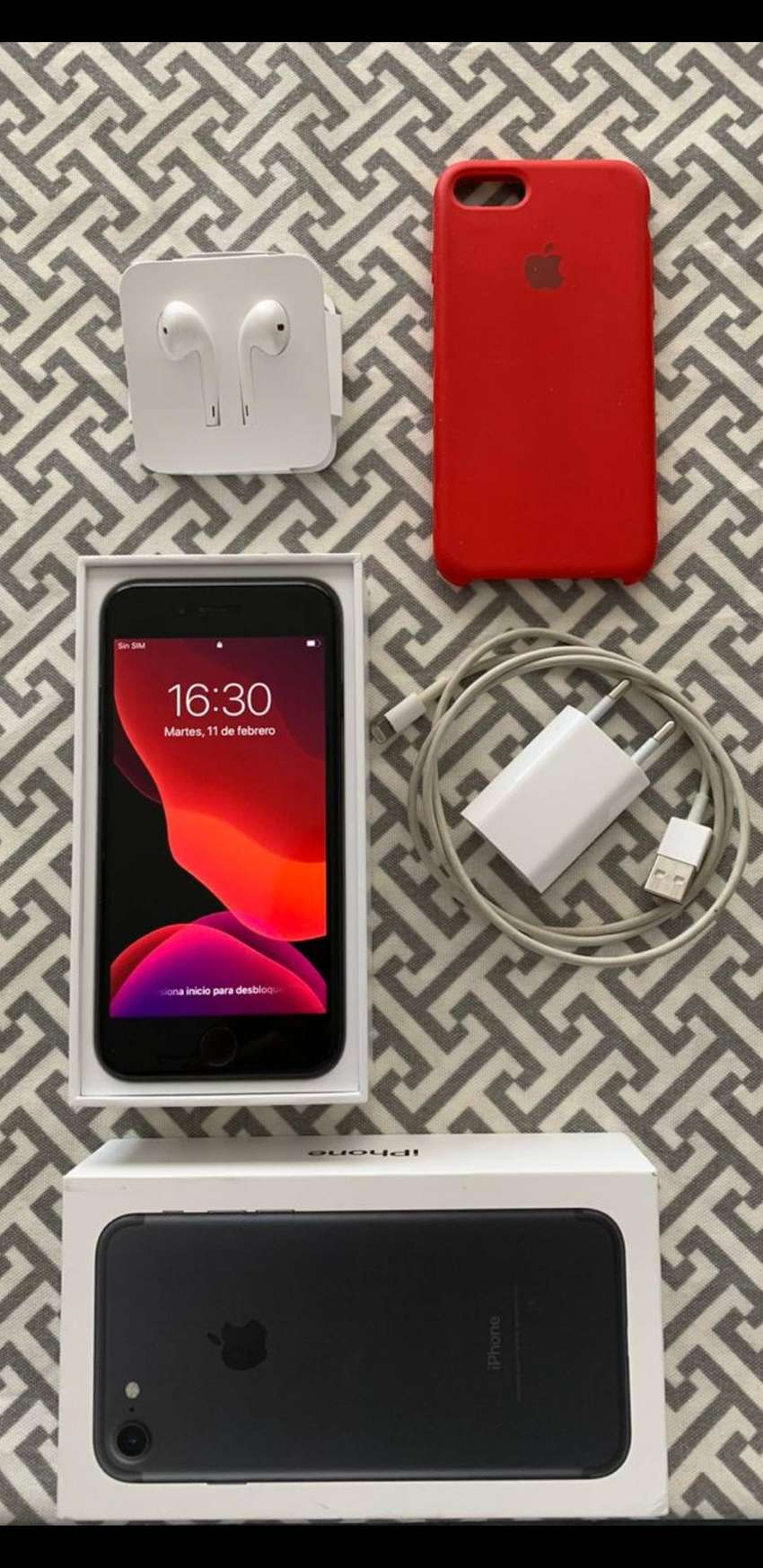 Iphone 7, 32gb 0
