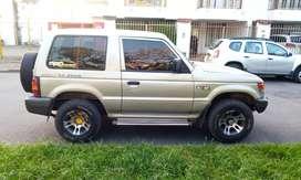 Se Vende o Permuta Montero Mitsubishi 97
