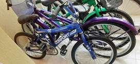 Bicicleta croos color azul y negro