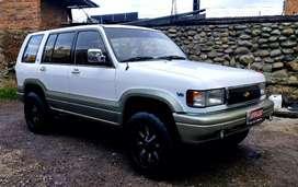 Chevrolet Trooper Wagon año 1995 versión full 4x4 aire acondicionado 100% Japonés  3 filas de asientos