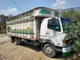 Vendo camión Fuso chasis FK
