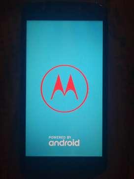 Targeta Moto E4 no le sirve la mitad del táctil hay q cambiar el displey
