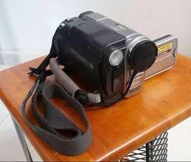 Vendo original videocámara en excelente estado a un muy buen precio.