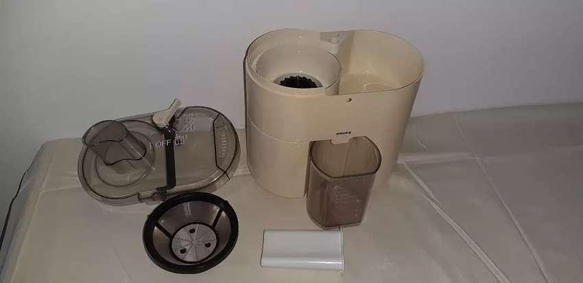 Procesador de alimentos y extractor de jugos, frutas y verduras 0
