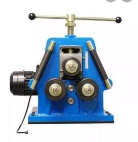 Dobladora,baroladora de tubo redondo con motor.