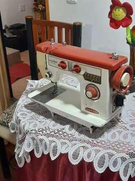 Vendo maquina coser marca Casa Royal (Brother) dos puntadas casera