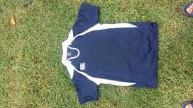 Vendo Camiseta Canterbury Entrenamiento Color Azul Excelente Estado