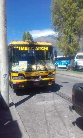 Vendo bus escolar