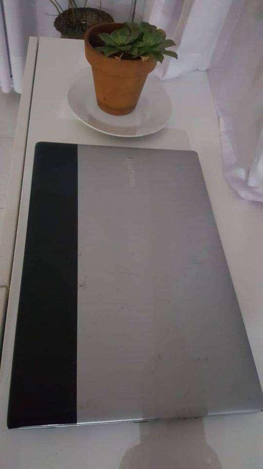 notebook samsung optimo estado 3gb funcionando rapida 500 gb d memoria 0