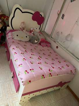 Cama de Hello Kitty