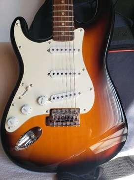 Vendo guitarra eléctrica squier stratocaster affinity zurda