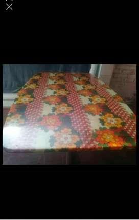 Vendo juego de living y mesa