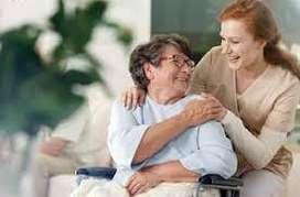 Lcda, en Enfermería, cuido de niños y adultos mayores.