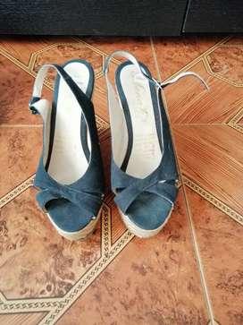 Se vende zapatos talla 38 nuevos