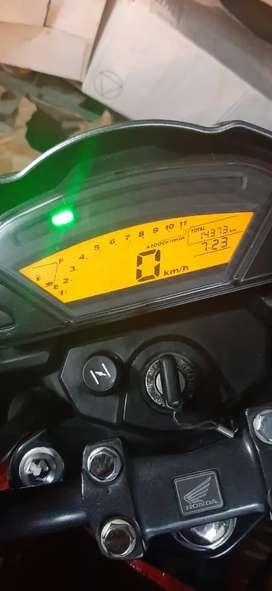 Honda Invicta 150cc, 14.300km, Año 2014