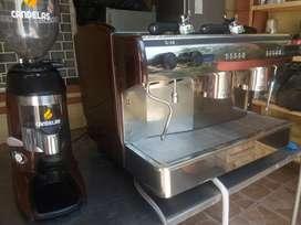 Remato Cafetera Profeccional y molino para el cafe
