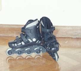 Rollers talle 29/30 más casco para niño
