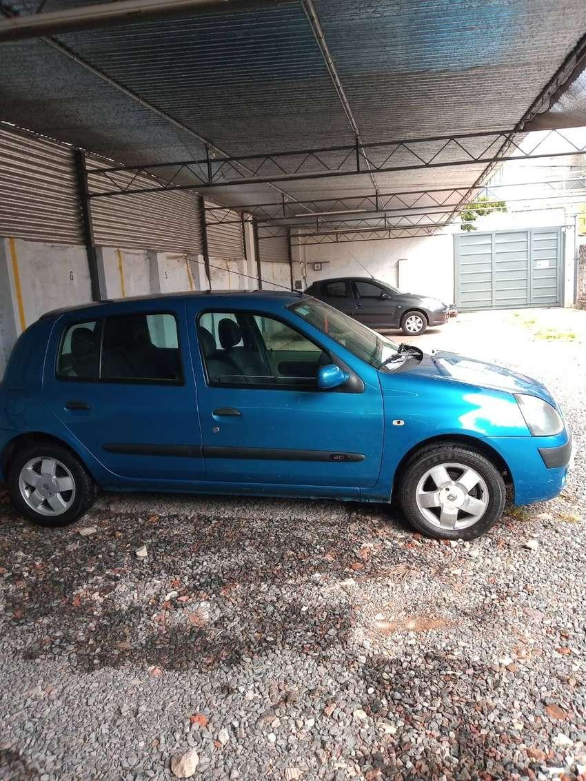 Clio 2 1.5 modelo 2004 Full