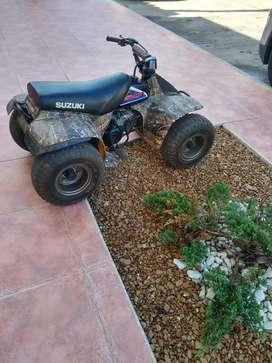 Vendo cuatrimoto Suzuki lt 50