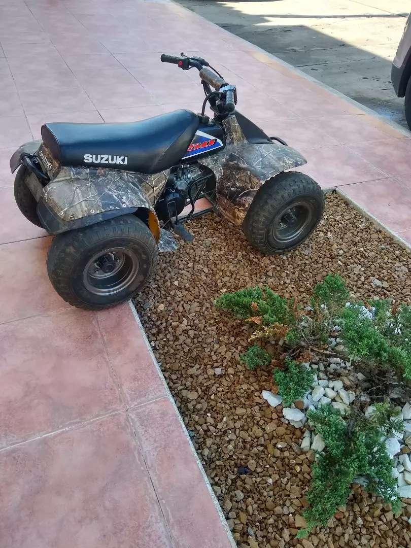Vendo cuatrimoto Suzuki lt 50 0