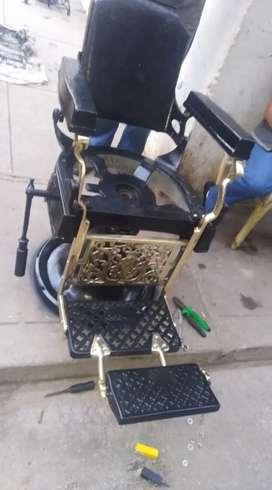 Antiguo sillón de barbero